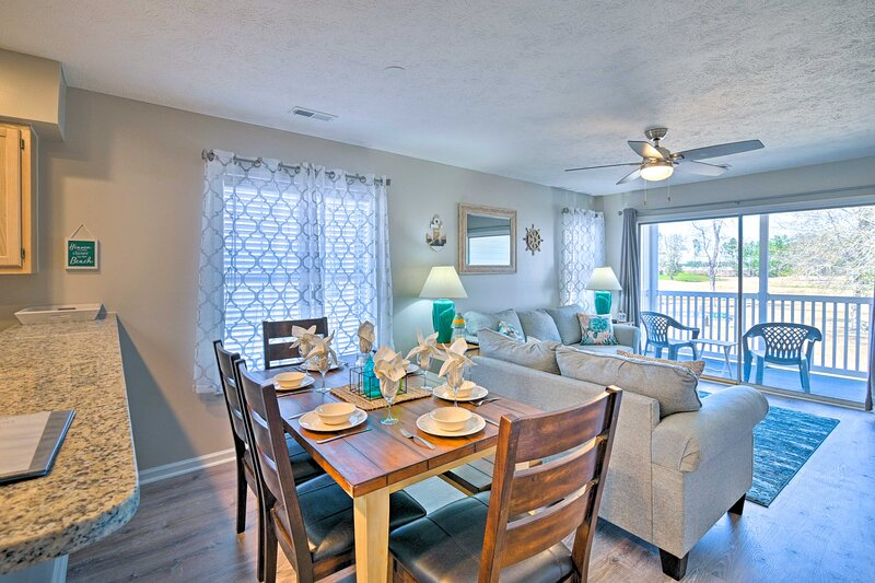 NEW! Swim, Golf, Play - Beachy River Oaks Condo!, holiday rental in Conway