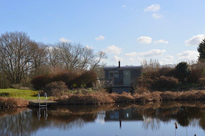 The hut and lake