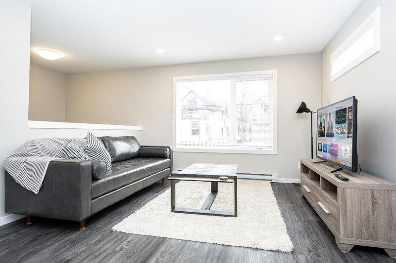 3 Bedroom in STR Complex-Close to Downtown & Airport, aluguéis de temporada em Winnipeg