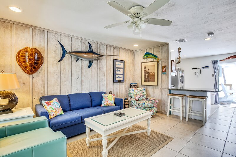 Oceanfront duplex with spectacular views, beach, and dock, location de vacances à Long Key