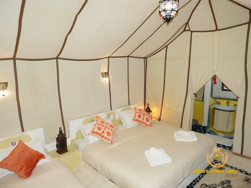 Tenda di lusso nel deserto Merzouga, vacation rental in Merzouga