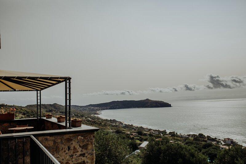 Trilocale 7 - Residenza Golfo Degli Ulivi, location de vacances à San Nicola