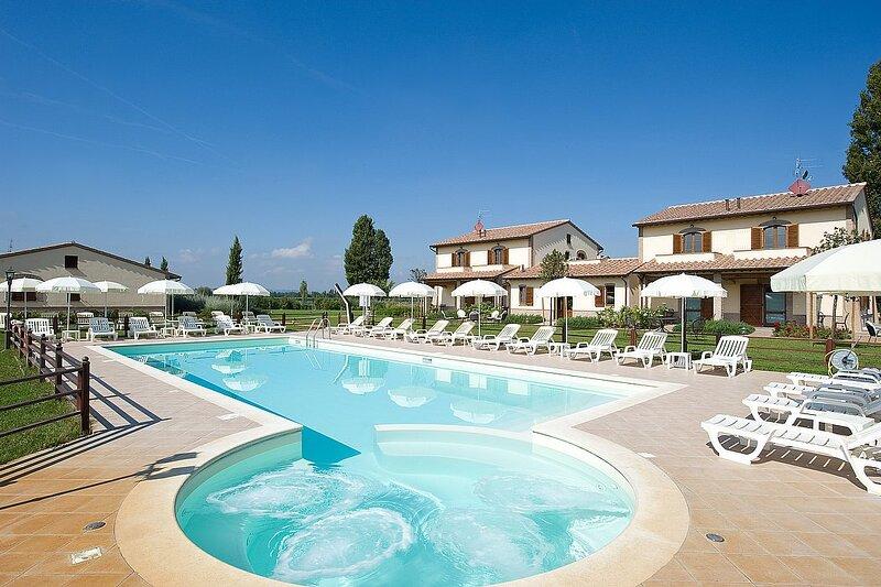 Cerreto Villa Sleeps 5 with Pool and Air Con - 5883148, casa vacanza a Tordandrea