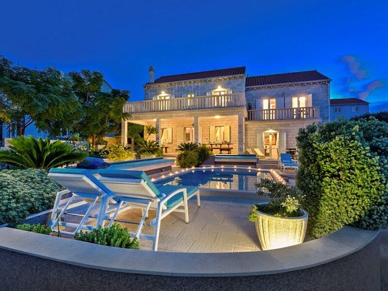 Beautiful Villa Veritas, on the Island of Korcula, location de vacances à Lumbarda