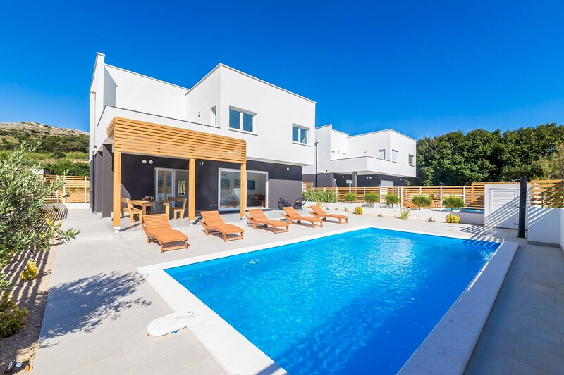 Amazing Villa Venus, with a Pool, holiday rental in Pag