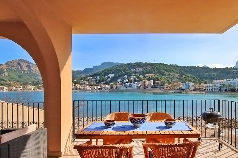 Es Faro House,frontline property with breathtaking sea views in Port Soller, holiday rental in Soller