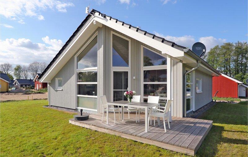 Nice home in Krems II/Warderbrück with Sauna and 2 Bedrooms (DSH029), aluguéis de temporada em Strenglin