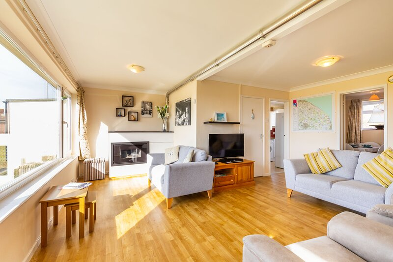 The Crest | Fantastic 3 bedroom home on the beach!, vacation rental in Hickling