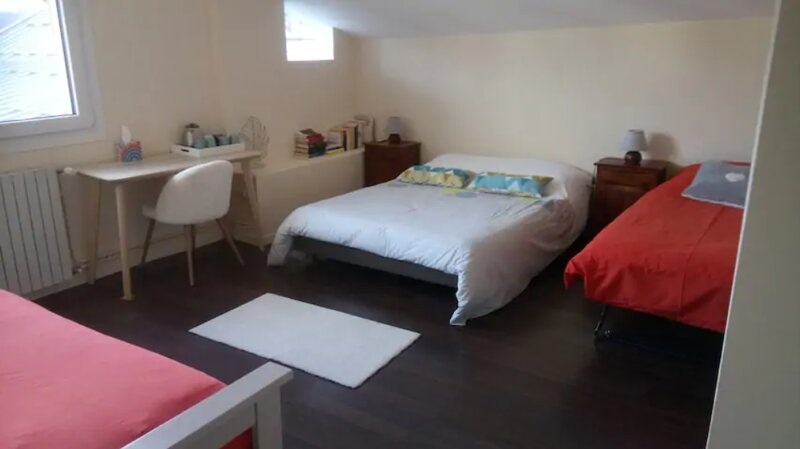 Master suite in huge house (dinner/breakfast on demande), holiday rental in Chamousset