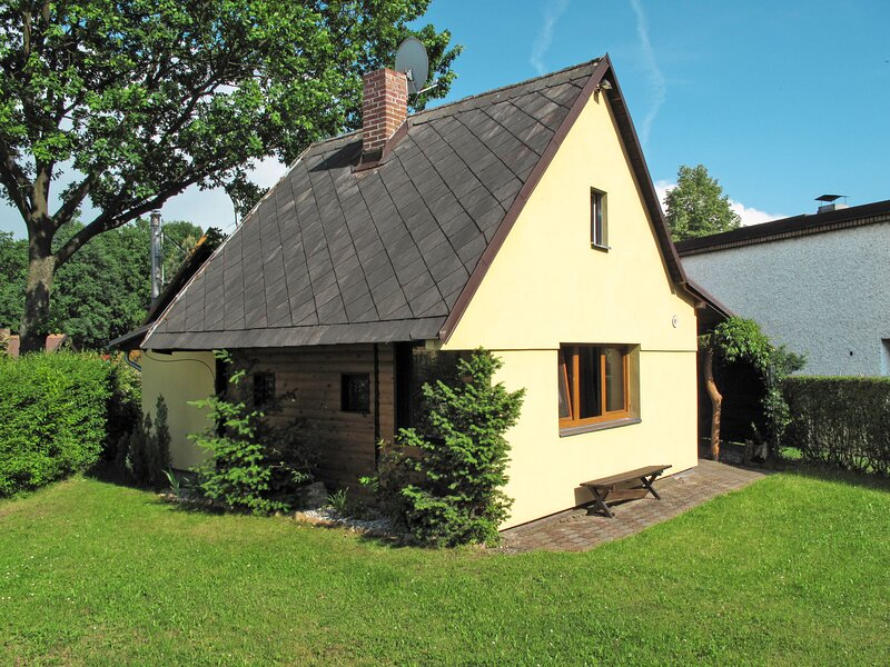 Holiday house (DEH110), vacation rental in Hluboka nad Vltavou