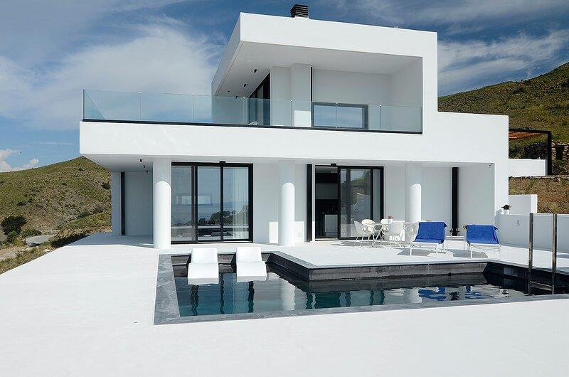 White Hera Villa, holiday rental in Agios Pavlos