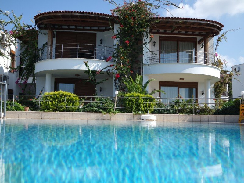 Okaliptus Beach Front Apartment.101, holiday rental in Turgutreis