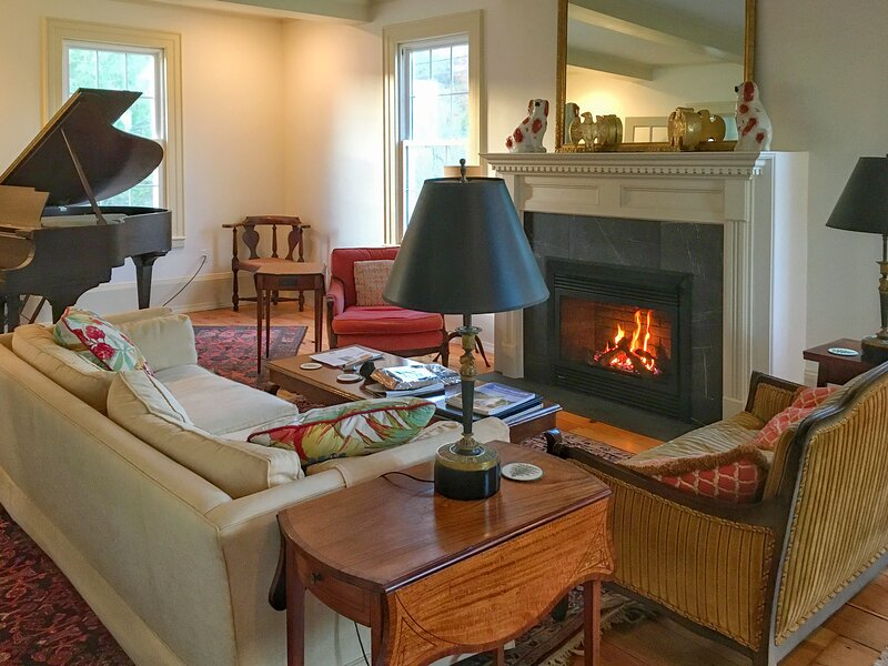 Historic Home | Popham Beach | Phippsburg Center, vakantiewoning in Bath
