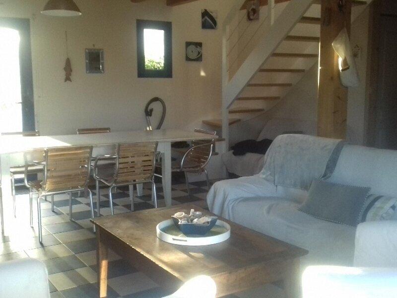 A 2 PAS DE LA RIA - MAISON 8 PERSONNES, vacation rental in Belz