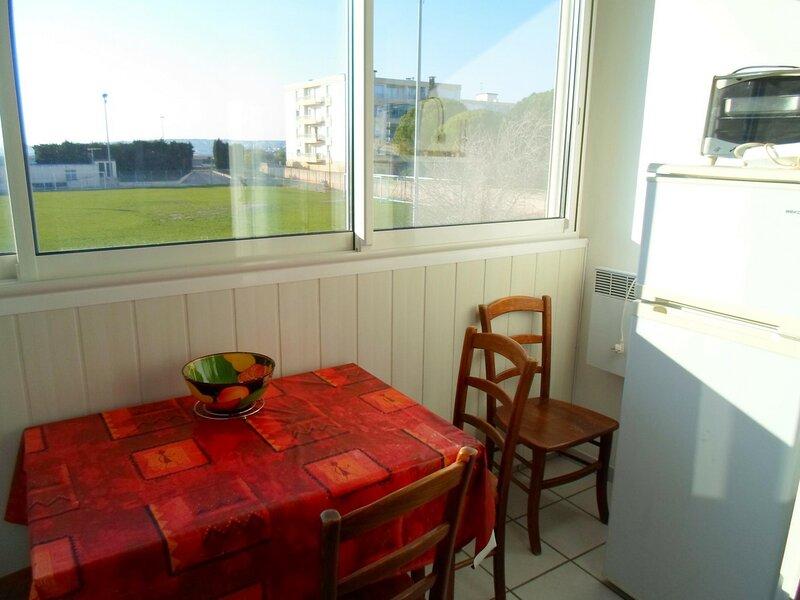 Studio proche du Stade de Foot, holiday rental in Bouzigues