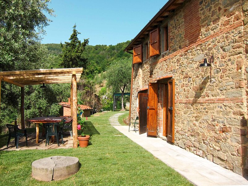 Fattoria di Pietrabuona (PCA115), holiday rental in Villa Basilica