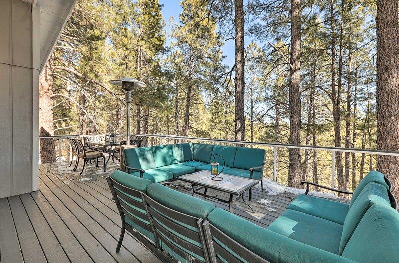 NEW! Luxury Mtn Living - Peaceful Flagstaff Oasis, location de vacances à Kachina Village