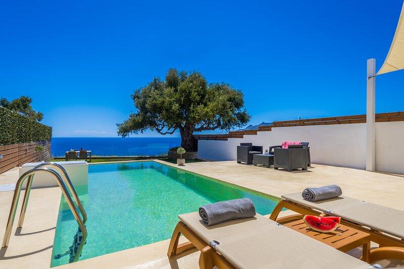 Astarte Villas - Anapnoi Villa With Private Pool, location de vacances à Kyllini