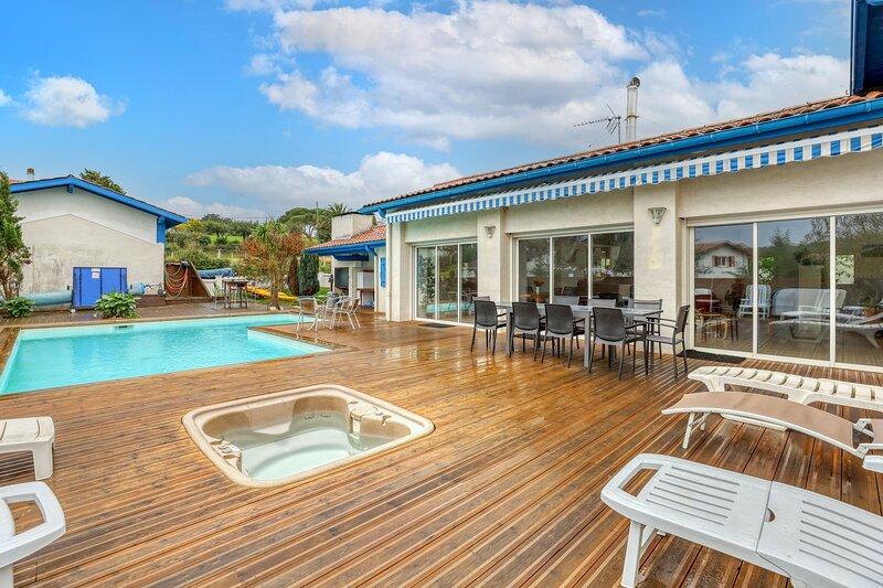 Amazing villa with swimming-pool, alquiler vacacional en Guéthary (Getaria)