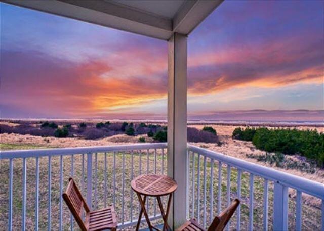NEW! Pet-friendly, Amazing ocean views, elevator (VHaven), holiday rental in Seaview