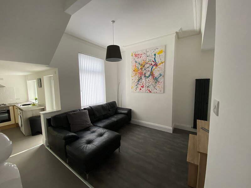 ✔Contractor&Family Friendly✔Netflix✔FREE Parking 2, vacation rental in Sunderland