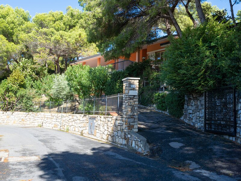 Apartment A2 (AND112), vacation rental in Marina di Andora