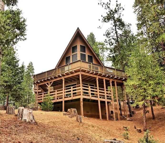 Mila's Mountain Retreat, casa vacanza a Camp Connell