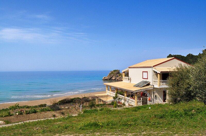 Beach House Tolis - Pelekas Beach, holiday rental in Avramis