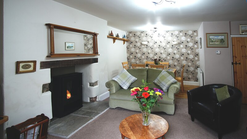 Private Devon Holiday Cottage, holiday rental in Christow