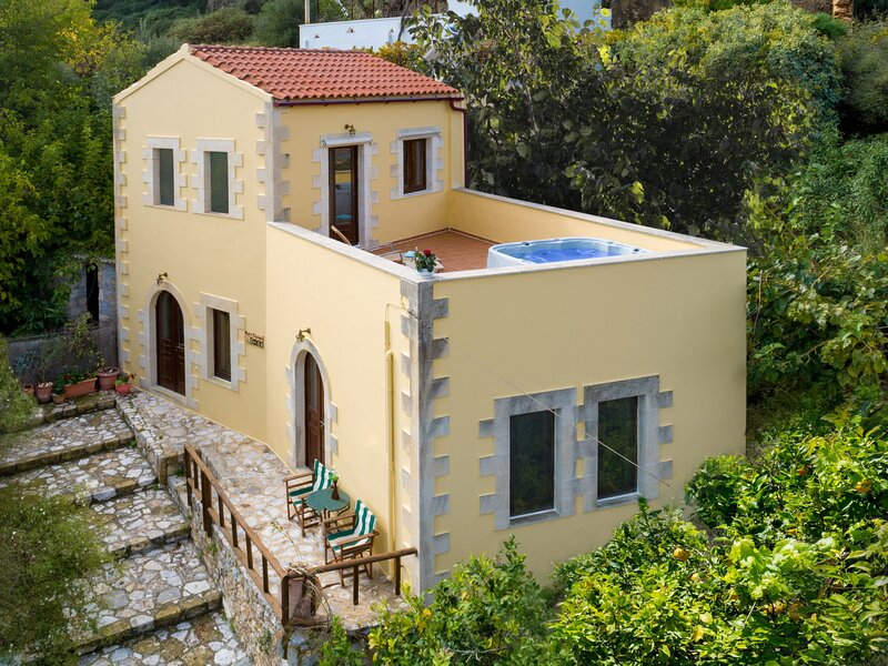 Villa Dictamus, location de vacances à Macheri