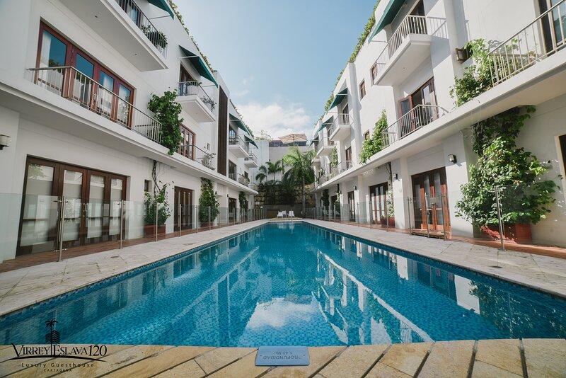 CASA DEL VIRREY ESLAVA 120 LUXURY GUESTHOUSE 120, holiday rental in Bolivar Department