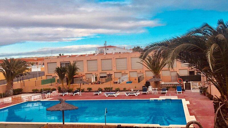 Superbe nouveau duplex 2 ch. Los Soles à Costa Antigua - WIFI, vacation rental in Nuevo Horizonte