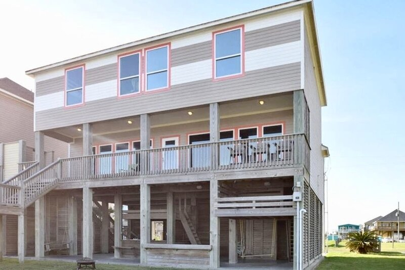 Building,Porch,Urban,Patio,Grass