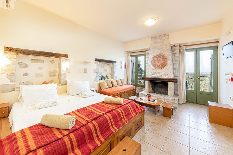 Dalabelos Estate - Studio Cottage, holiday rental in Perama