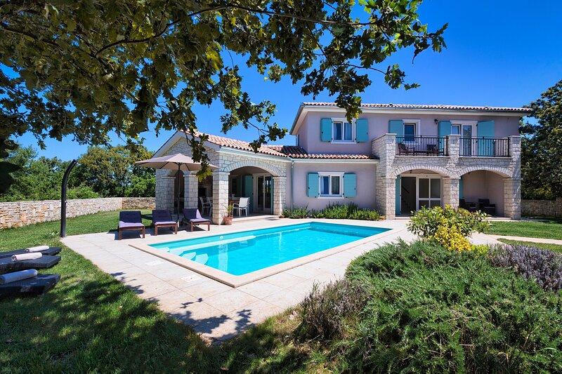 Villa Krmed, alquiler de vacaciones en Bale
