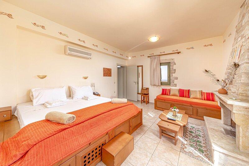 Dalabelos Estate- Family Cottage, 2 bedrooms, holiday rental in Perama