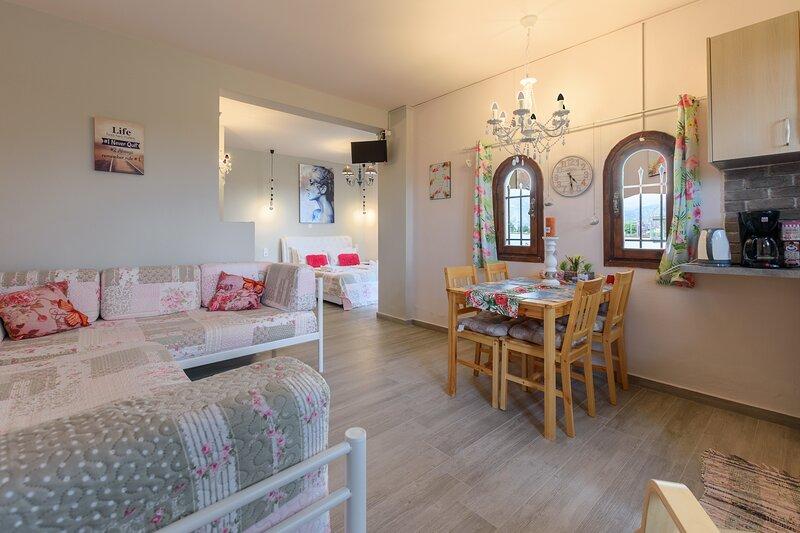 BUNGALOW NEXT TO THE BEACH (POSIDONE) IN MALIA, holiday rental in Epano Sisi