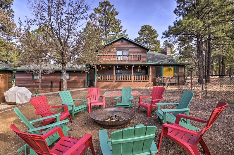 NEW! 'Black Bear Lodge' w/ Deck in Nat'l Forest!, holiday rental in Forest Lakes