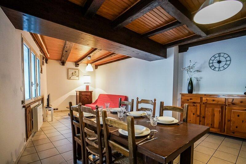 La Loge des Gardes - Duplex 81 m2 avec 2 chambres a 15m du Lac, holiday rental in Duingt