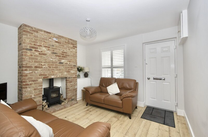 Seaside Retreat - Family holiday home in Whitstable, sleeping 6 people in 3 bedr, holiday rental in Whitstable