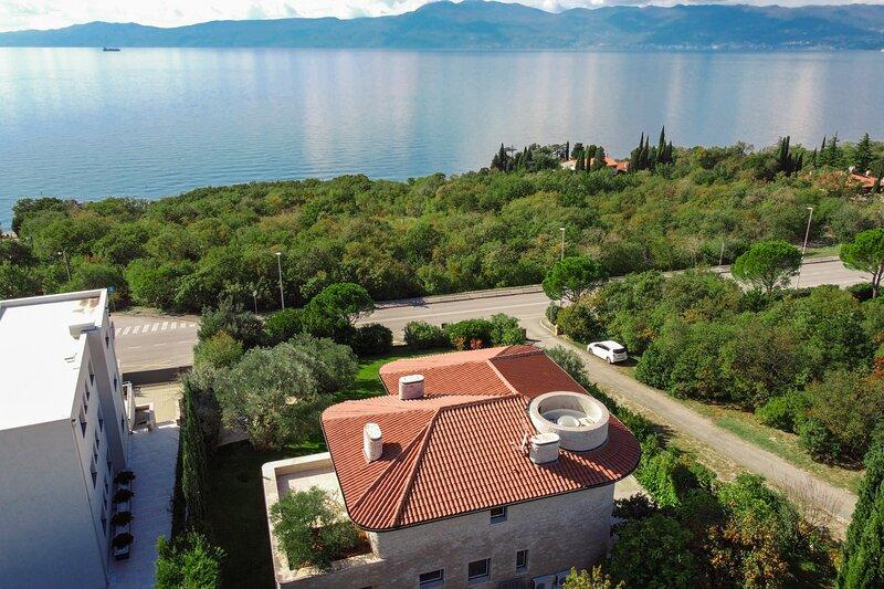 Villa Kamik, holiday rental in Kostrena