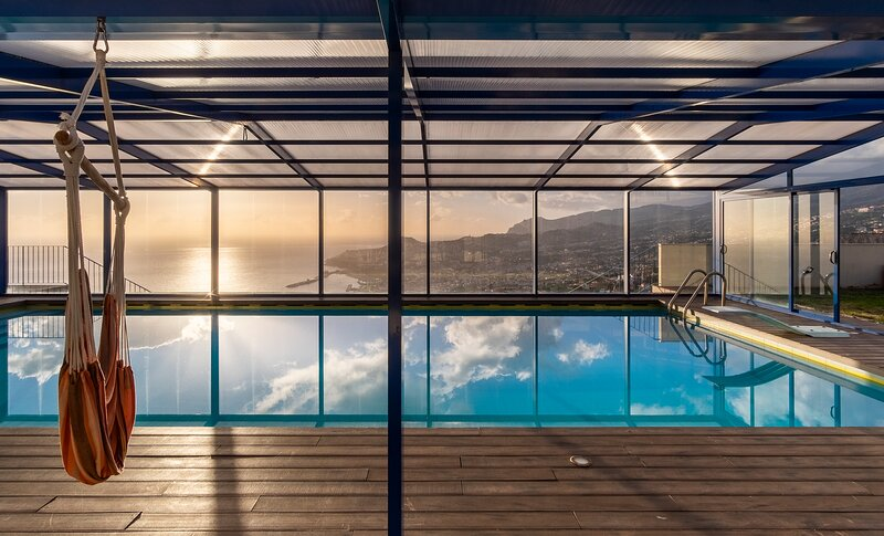 Villa with Swimmingpool and panoramic view Madeira, alquiler de vacaciones en Sao Goncalo