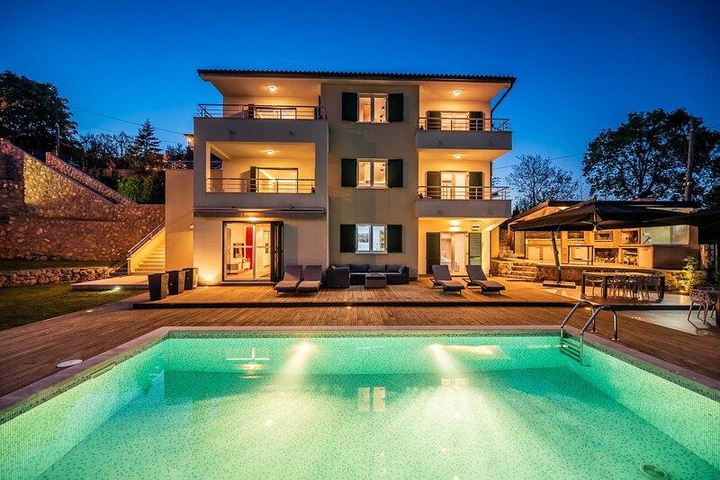 Beautiful Villa Nadia, in Kvarner, with a Pool, holiday rental in Pobri