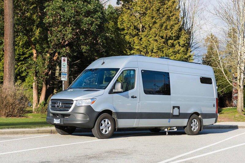 Luxurious Sprinter Camper Van/RV for rent – semesterbostad i Burnaby