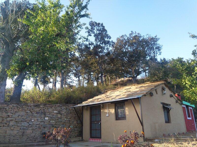 Sharda Stays Binsar Himalayas, holiday rental in Almora District