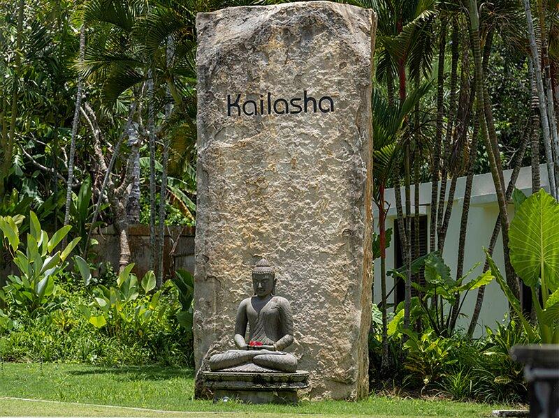 Villa Kailasha - Welcome signage