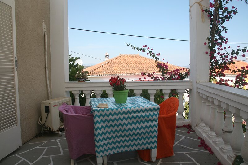 Apanemos in timeless Spetses, holiday rental in Spetses Town