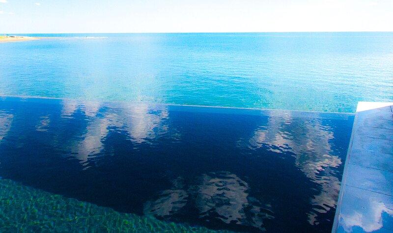 Beach apartment /exclusive use of pool, sauna, mini heated whirlpool pool, alquiler vacacional en Santa Marinella