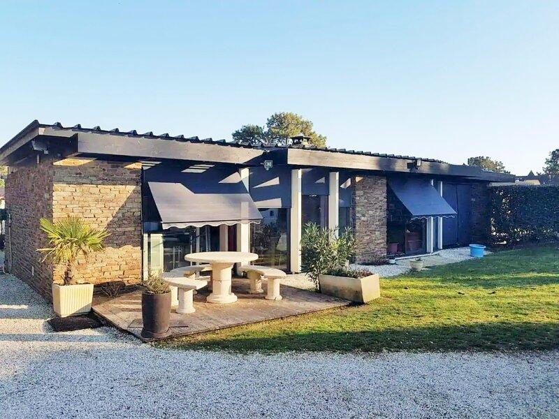 Villa vue mer 4 chambres avec acces direct a plage et piscine, aluguéis de temporada em Saint-Brevin-l'Ocean