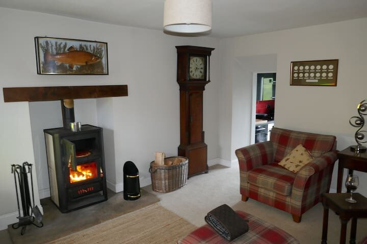 Period cottage with stunning views, location de vacances à Haltwhistle